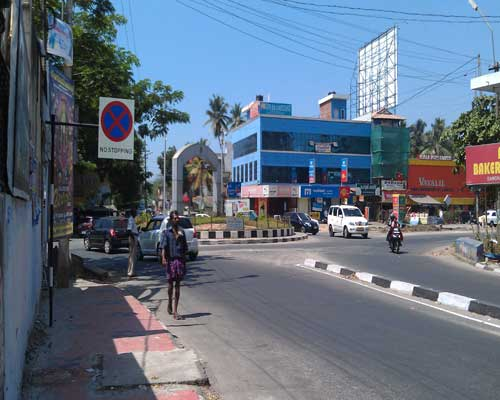 Kerala Real estate Properties 135 cents land at Enchakkal Junction Trivandrum Kerala